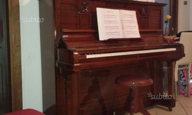 Pianoforte verticale BLUTHMEYER anni 90