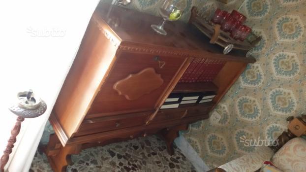 Mobile bar e libreria+tavolino+lampada