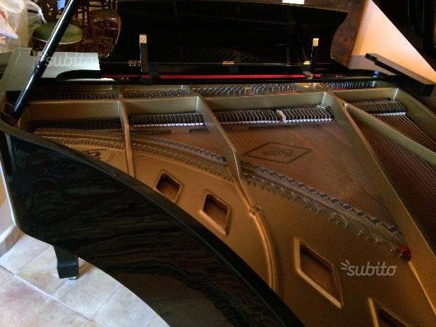 "Steinway & sons piano a coda ""boston"""