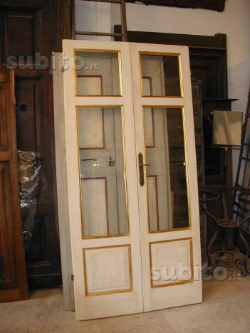 Porta Antica Laccata con filetto a foglia d'oro
