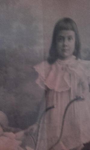 antieke houtskool schilderij uit 1909