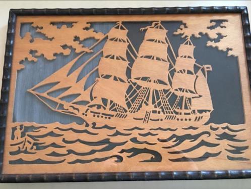 Schilderij 'Viermaster' uit hout gesneden: Antiek; Erg mooi.