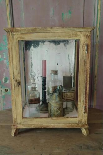 Antiek vitrinekastje winkelkastje display kastje *bric*
