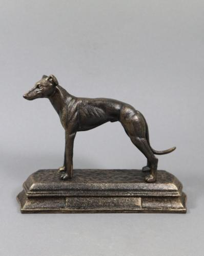 Prachtig zwaar sculptuur van een jachthond