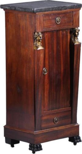 Antieke kasten / Empire nachtkastje ca. 1810 met verdiept...