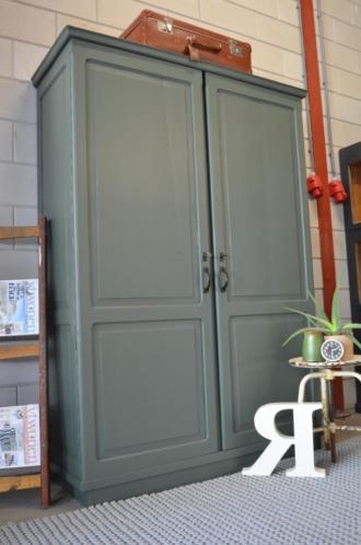 Vintage/industriele groene kloosterkast, Brocante kast groen