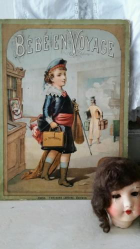 Antiek boek Bebe en Voyage....leuk bij antieke poppen!