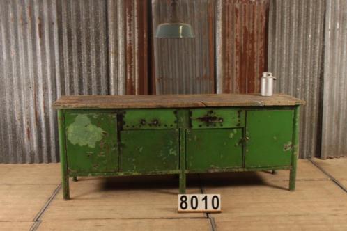 Industrieel retro vintage werkbank/dressoir/toonbank nr.8010