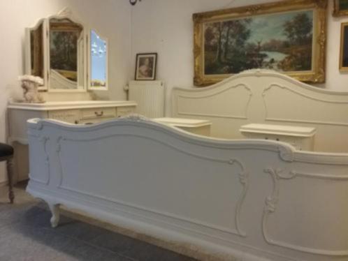 Schitterend Baroque Queen Ann King Size Bed met kaptafel