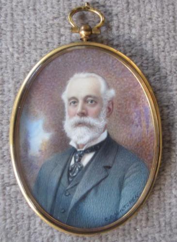 ca 1920 = portretminiatuur = man met witte baard =gesigneerd