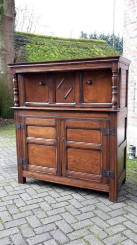 Van Dortmont Van Huizen Antiek 17e 18e 19e eeuwse meubelen.