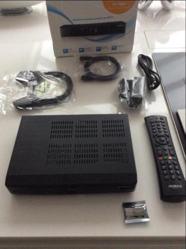 Humax 5300c decoder in doos met alles erbij HDMI etc