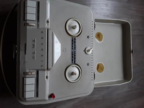 Vintage bandrecorder Grundig TK17