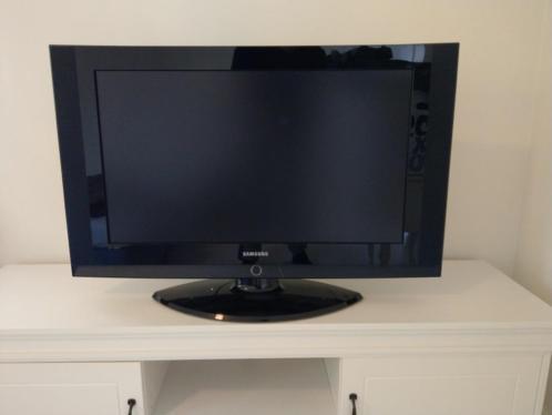 Samsung tv 82cm