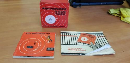 Magnetophonbanden en boekjes