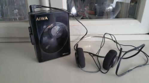 Vintage Aiwa walkman met koptelefoon