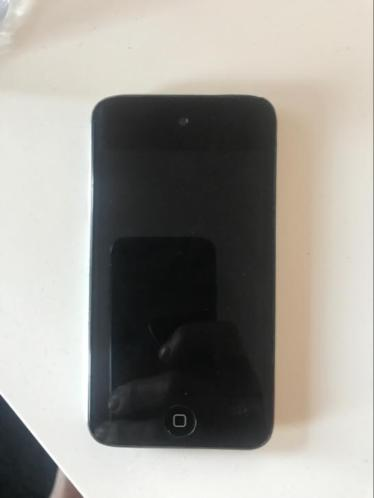 iPod Touch 4e generatie + oplader
