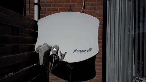 satelliet schotel met ontvangst voor 4 satellieten super ont