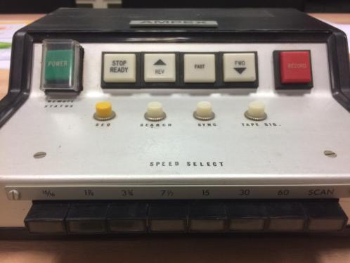 AMPEX remote. veel mogelijkheden. (tevens 4 kaarten aanwezig