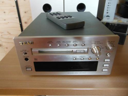 Teac MD-H300 minidisc speler, incl. +/- 100 minidiscs
