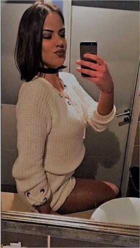 Jonge dame zoekt gezelschap, 26jr