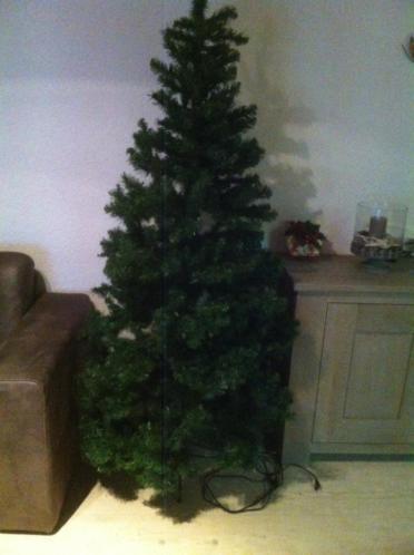 kerstboom triumpf tree hoogte 2mtr met 200 lampjes