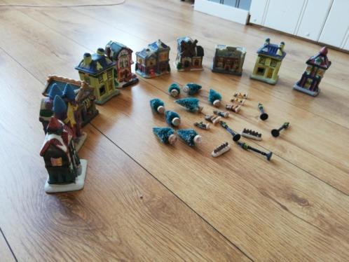 Kerstdorp met 10 kersthuisjes & nog losse accessoires