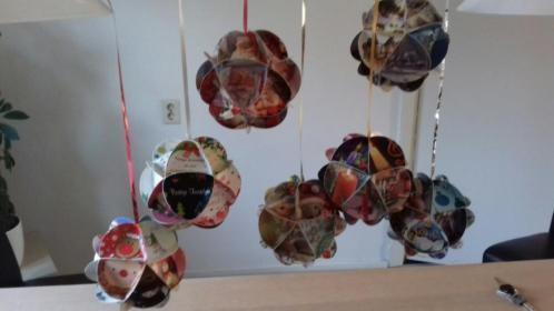 Kerstballen karton voor decoratie