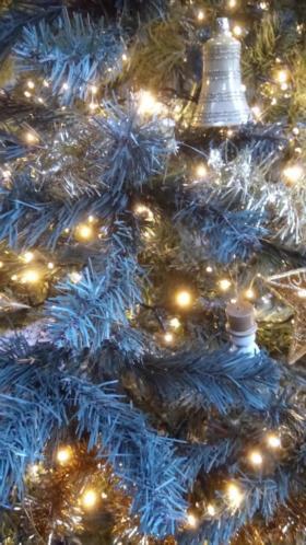 Te koop: Hoge kwaliteit kunst kerstboom 215 cm
