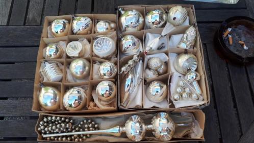 30 oude zilveren kerstballen en piek