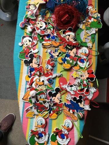 Apart 22 disney kerst hangers van hout origineel