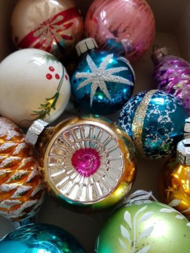 15 oude gekleurde kerstballen glas