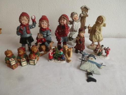(A200 13 verschillende kerstbeeldjes