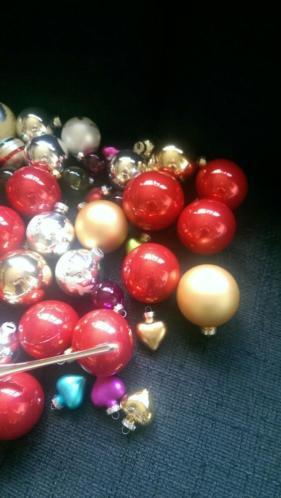 Kerstballen met piek.