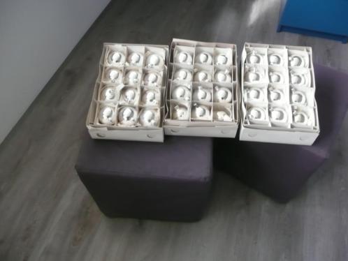 Zilverkleurige kerstballen
