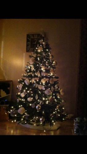Kunst kerstboom met lampjes