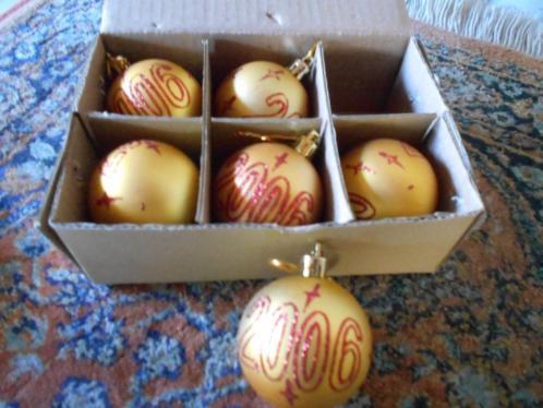 oude glazen gouden kerst ballen van 2006