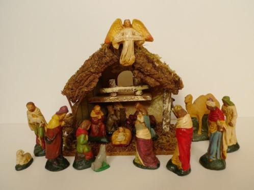 Fraaie oude gipsen kerstgroep jaren + brocante kerststal