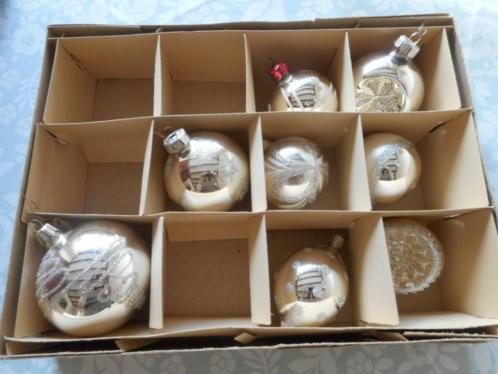 Doosje met 8 oude kerstballen [4]