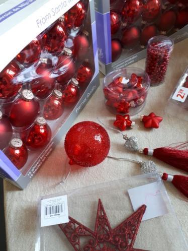 Rode glazen kerstballen