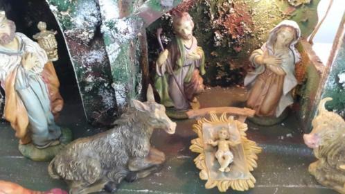 Antieke Kerststal met licht om verliefd op te worden Vintage