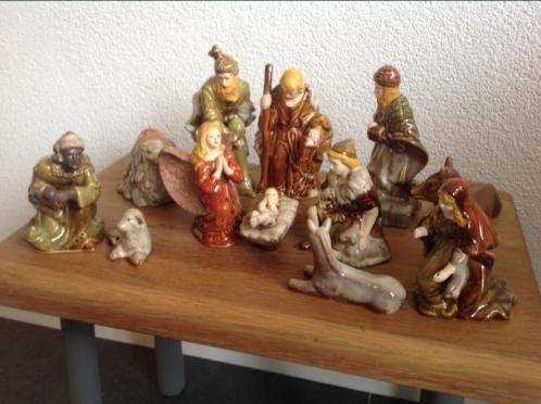 Kerstgroep 12 delig ongeveer 15 cm hoog