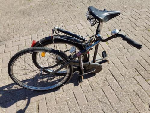 Radiant fiets deelfiets. Hierdoor makkelijk mee te nemen.