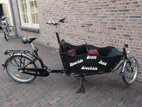 Bakfiets op twee wielen met handrem en 3 versnellingen
