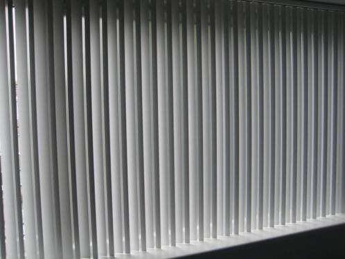 Witte lamellen met transparant streepje 240brx150hoog