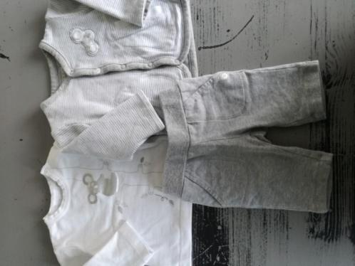Baby merk kleding 50/56 als.nieuw!