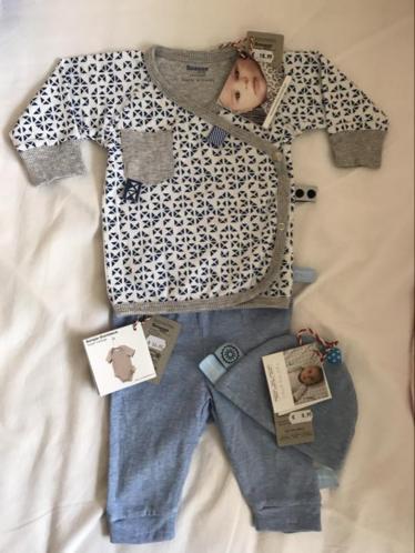 Babysetje van snoozebaby 50/56 broekje overslagvestje mutsje