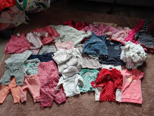 Pakket meisjes baby kleding! Maat 50 en 56