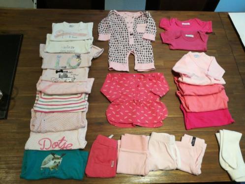 Mooi pakket voor een meisje, maat 50, 22 items