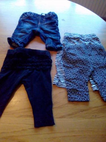 18 stuks meisjes baby kleertjes voor 5 euro